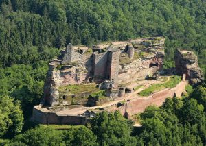 Vue aérienne du château de Fleckenstein